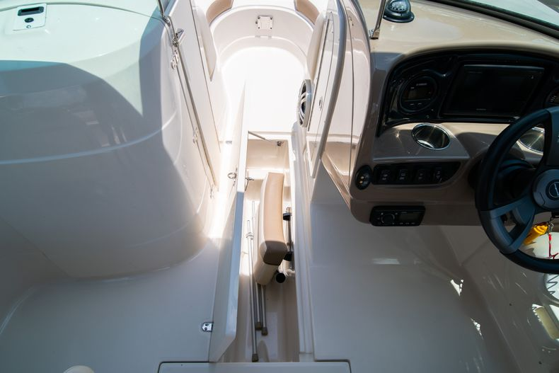 Thumbnail 35 for Used 2015 Southwind 2600SD Sportdeck boat for sale in West Palm Beach, FL
