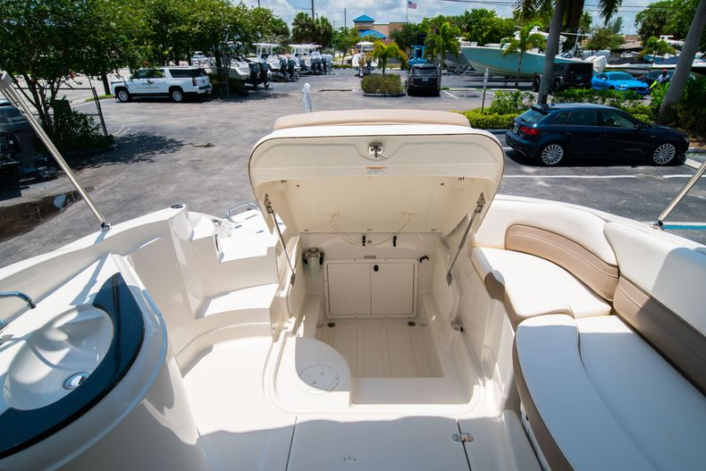 Thumbnail 20 for Used 2015 Southwind 2600SD Sportdeck boat for sale in West Palm Beach, FL