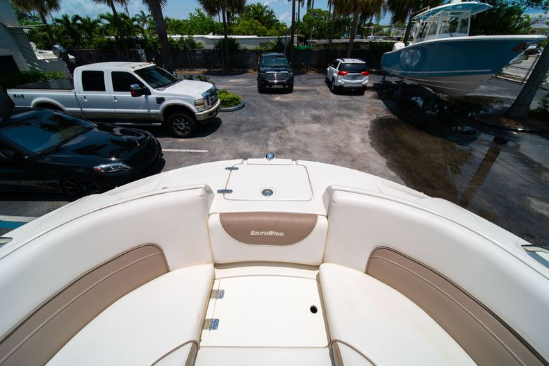Thumbnail 45 for Used 2015 Southwind 2600SD Sportdeck boat for sale in West Palm Beach, FL