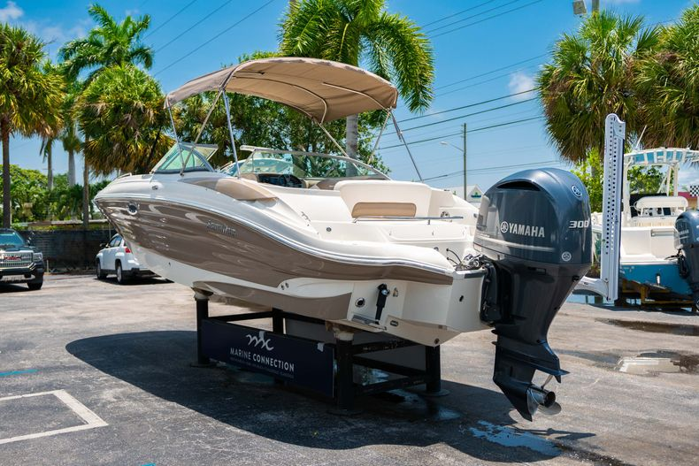 Thumbnail 7 for Used 2015 Southwind 2600SD Sportdeck boat for sale in West Palm Beach, FL