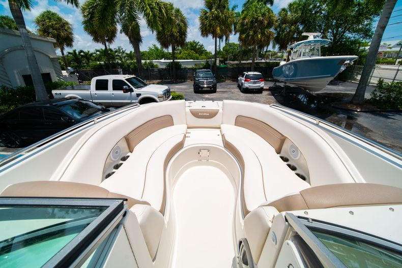 Thumbnail 43 for Used 2015 Southwind 2600SD Sportdeck boat for sale in West Palm Beach, FL