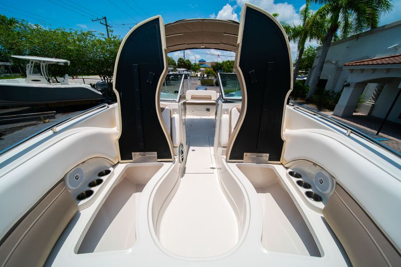 Thumbnail 44 for Used 2015 Southwind 2600SD Sportdeck boat for sale in West Palm Beach, FL