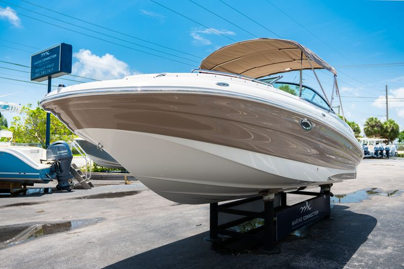 Thumbnail 4 for Used 2015 Southwind 2600SD Sportdeck boat for sale in West Palm Beach, FL