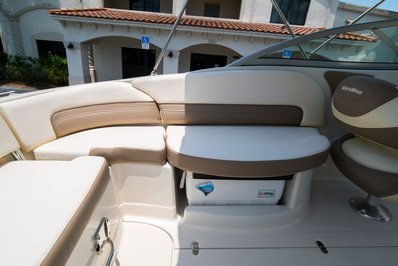 Thumbnail 21 for Used 2015 Southwind 2600SD Sportdeck boat for sale in West Palm Beach, FL