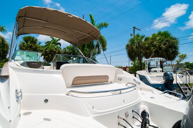 Thumbnail 12 for Used 2015 Southwind 2600SD Sportdeck boat for sale in West Palm Beach, FL