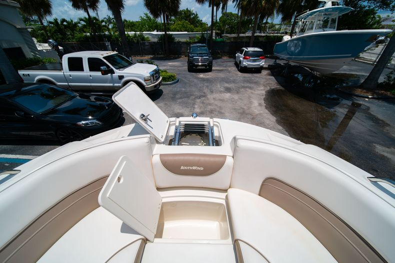 Thumbnail 46 for Used 2015 Southwind 2600SD Sportdeck boat for sale in West Palm Beach, FL