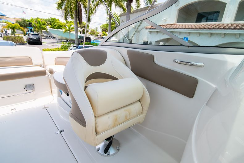 Thumbnail 38 for Used 2015 Southwind 2600SD Sportdeck boat for sale in West Palm Beach, FL