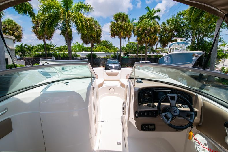 Thumbnail 32 for Used 2015 Southwind 2600SD Sportdeck boat for sale in West Palm Beach, FL