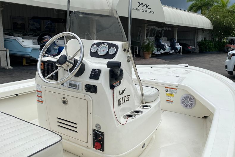Thumbnail 2 for Used 2015 Mako 18 LTS boat for sale in West Palm Beach, FL