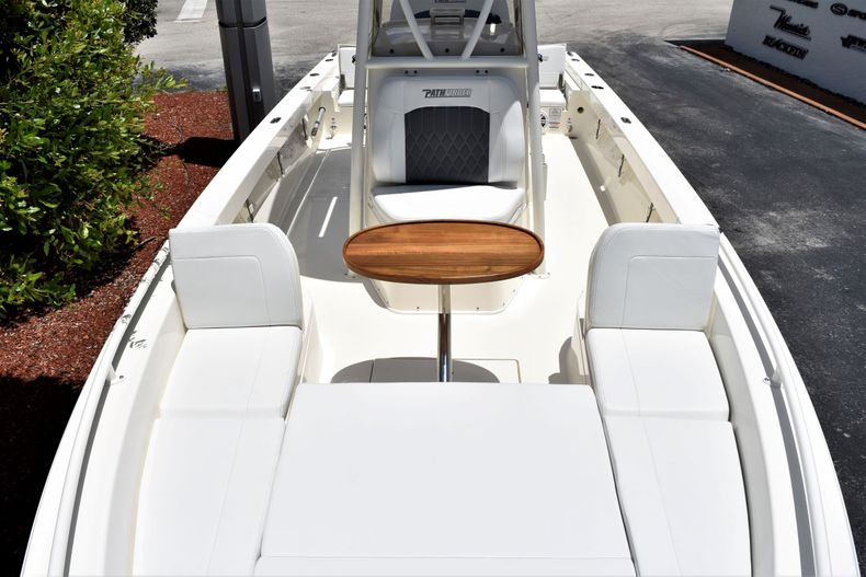 Thumbnail 18 for New 2020 Pathfinder 2600 TRS boat for sale in Fort Lauderdale, FL