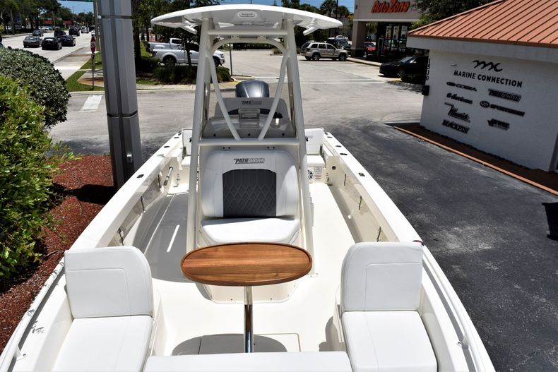 Thumbnail 19 for New 2020 Pathfinder 2600 TRS boat for sale in Vero Beach, FL