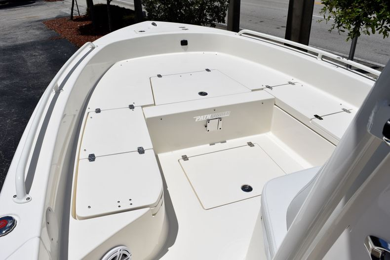 Thumbnail 11 for New 2020 Pathfinder 2600 TRS boat for sale in Vero Beach, FL