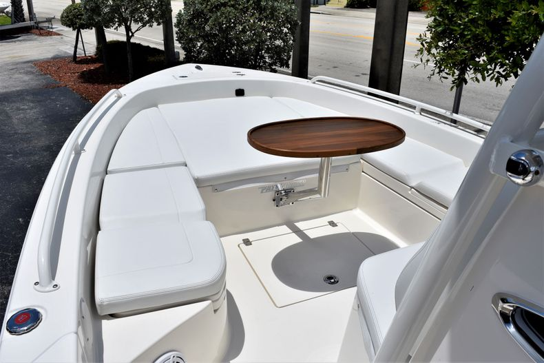 Thumbnail 17 for New 2020 Pathfinder 2600 TRS boat for sale in Vero Beach, FL