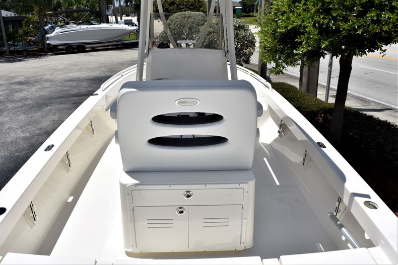 Thumbnail 9 for New 2020 Pathfinder 2600 TRS boat for sale in Fort Lauderdale, FL
