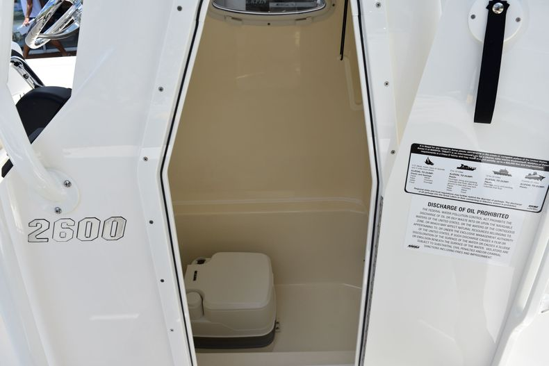 Thumbnail 12 for New 2020 Pathfinder 2600 TRS boat for sale in Vero Beach, FL