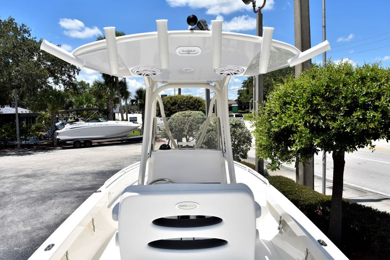 Thumbnail 10 for New 2020 Pathfinder 2600 TRS boat for sale in Fort Lauderdale, FL