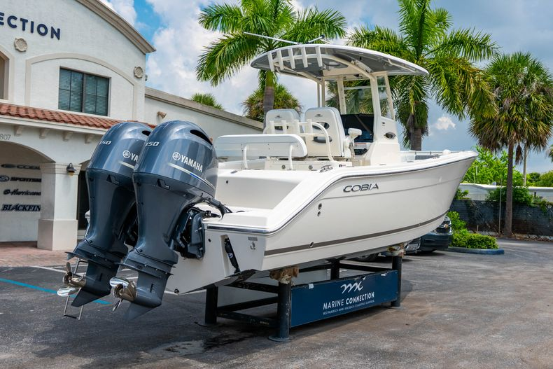 Thumbnail 7 for New 2020 Cobia 262 CC Center Console boat for sale in West Palm Beach, FL