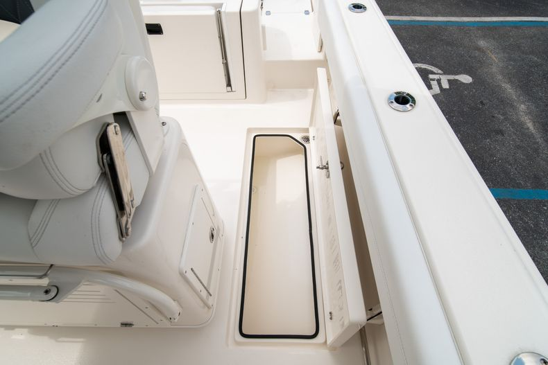 Thumbnail 21 for New 2020 Cobia 262 CC Center Console boat for sale in West Palm Beach, FL