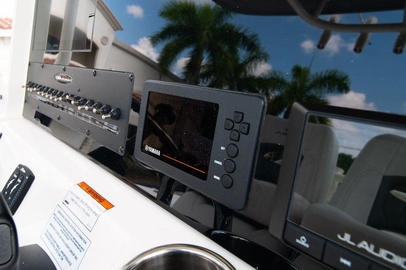 Thumbnail 25 for New 2020 Cobia 262 CC Center Console boat for sale in West Palm Beach, FL
