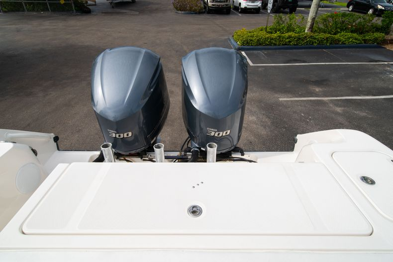 Thumbnail 18 for Used 2012 Edgewater 318CC Center Console boat for sale in West Palm Beach, FL