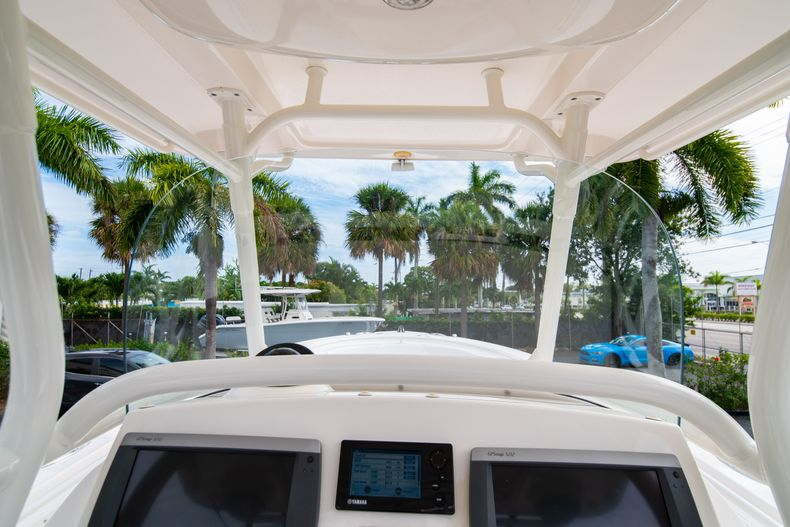 Thumbnail 38 for Used 2012 Edgewater 318CC Center Console boat for sale in West Palm Beach, FL