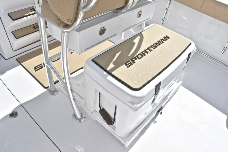 Thumbnail 28 for New 2019 Sportsman Open 252 Center Console boat for sale in West Palm Beach, FL