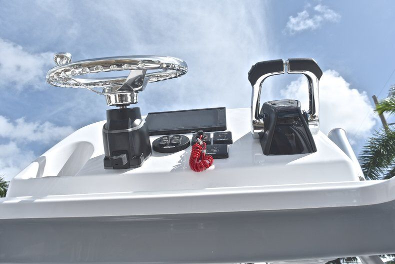Thumbnail 40 for New 2019 Sportsman Open 252 Center Console boat for sale in West Palm Beach, FL
