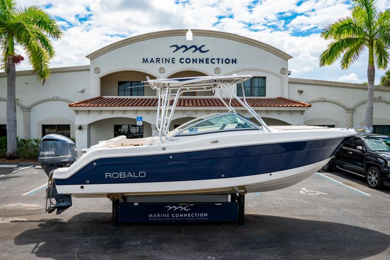 Photo for 2014 Robalo R247 Dual Console