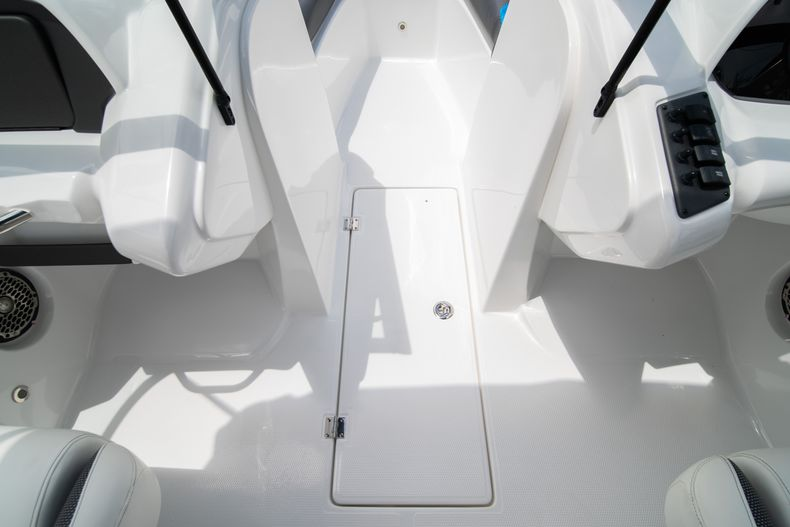 Thumbnail 26 for New 2020 Hurricane SP190 boat for sale in West Palm Beach, FL