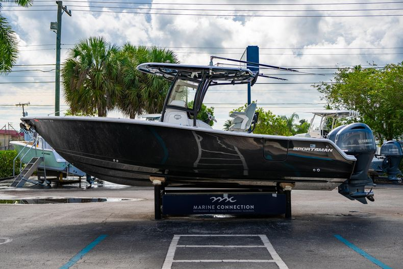 Thumbnail 5 for Used 2019 Sportsman Heritage 251 Center Console boat for sale in West Palm Beach, FL