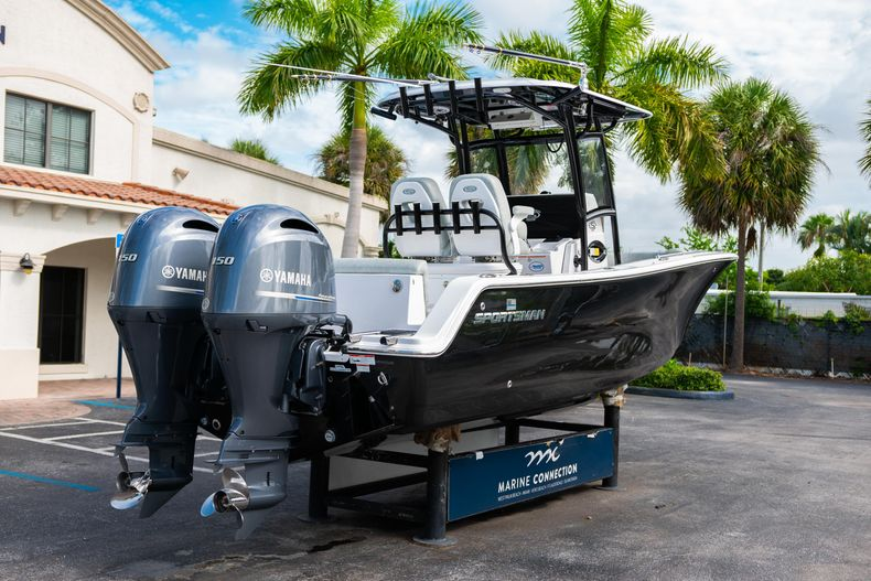Thumbnail 10 for Used 2019 Sportsman Heritage 251 Center Console boat for sale in West Palm Beach, FL