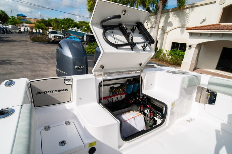 Thumbnail 16 for Used 2019 Sportsman Heritage 251 Center Console boat for sale in West Palm Beach, FL