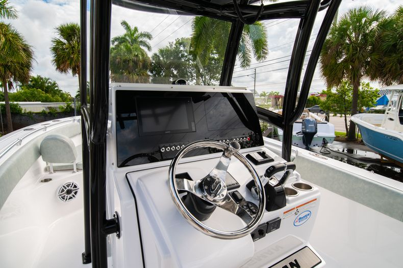 Thumbnail 37 for Used 2019 Sportsman Heritage 251 Center Console boat for sale in West Palm Beach, FL