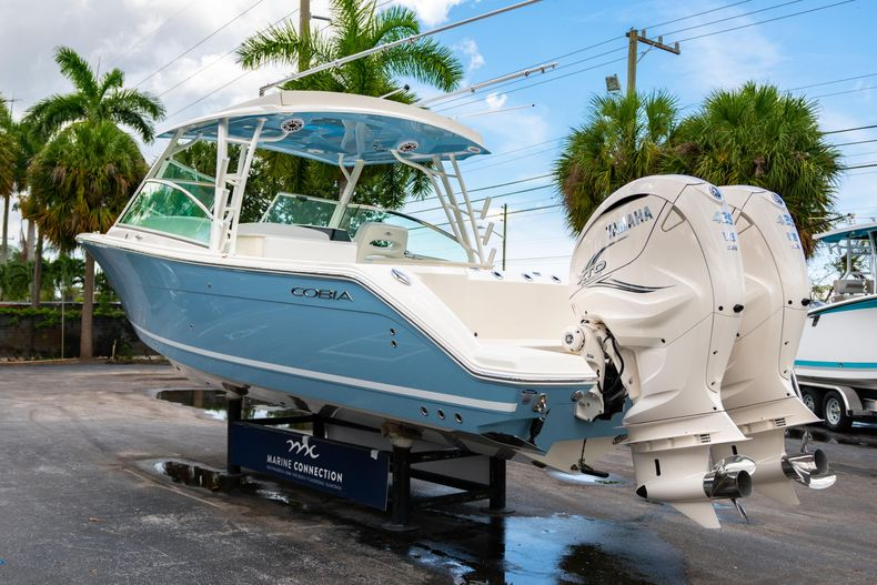 Thumbnail 5 for New 2020 Cobia 330 DC boat for sale in West Palm Beach, FL