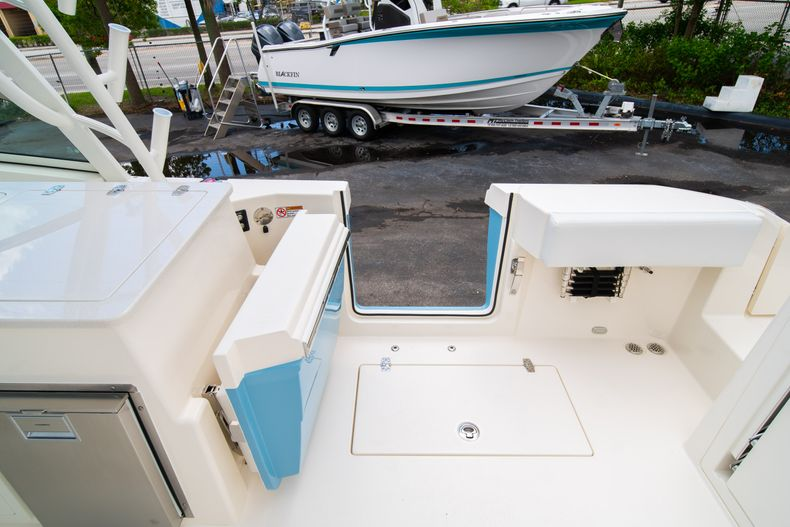 Thumbnail 11 for New 2020 Cobia 330 DC boat for sale in West Palm Beach, FL
