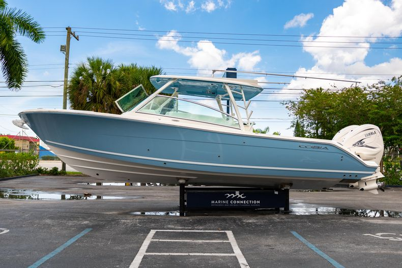 Thumbnail 4 for New 2020 Cobia 330 DC boat for sale in West Palm Beach, FL