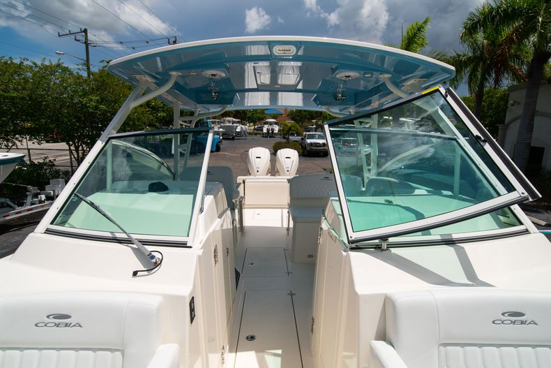 Thumbnail 57 for New 2020 Cobia 330 DC boat for sale in West Palm Beach, FL