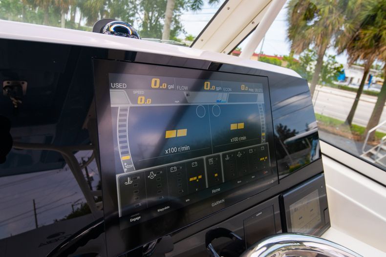 Thumbnail 34 for New 2020 Cobia 330 DC boat for sale in West Palm Beach, FL