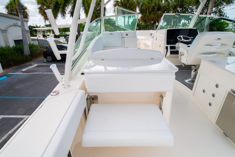 Thumbnail 19 for New 2020 Cobia 330 DC boat for sale in West Palm Beach, FL