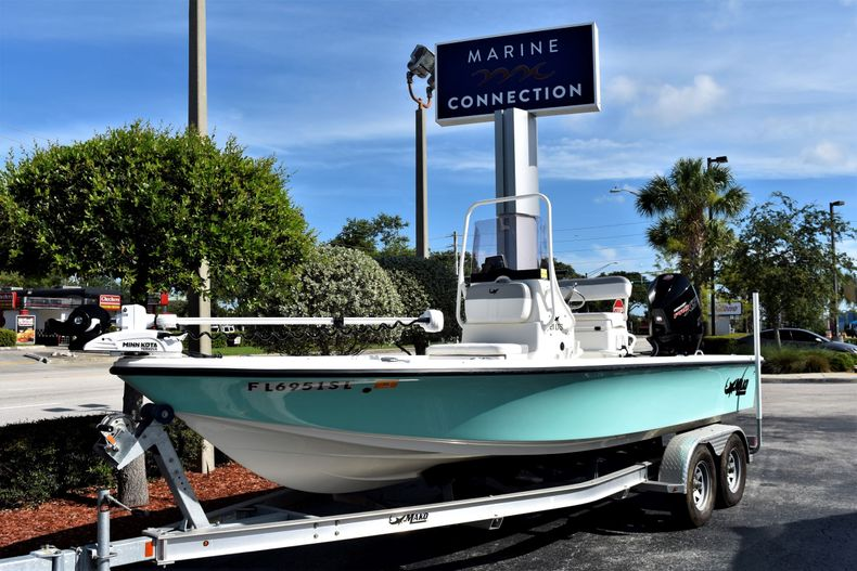 Thumbnail 1 for Used 2019 Mako 21 LTS boat for sale in Vero Beach, FL