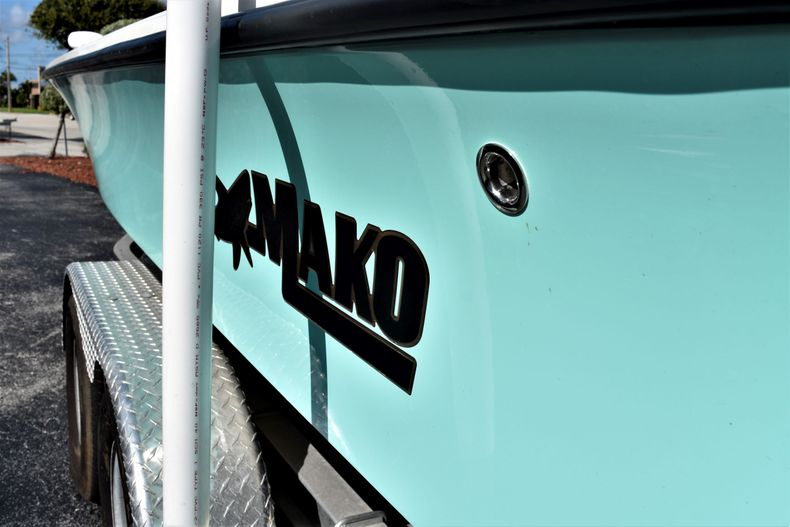 Thumbnail 10 for Used 2019 Mako 21 LTS boat for sale in Vero Beach, FL