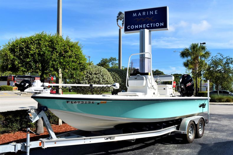 Thumbnail 3 for Used 2019 Mako 21 LTS boat for sale in Vero Beach, FL