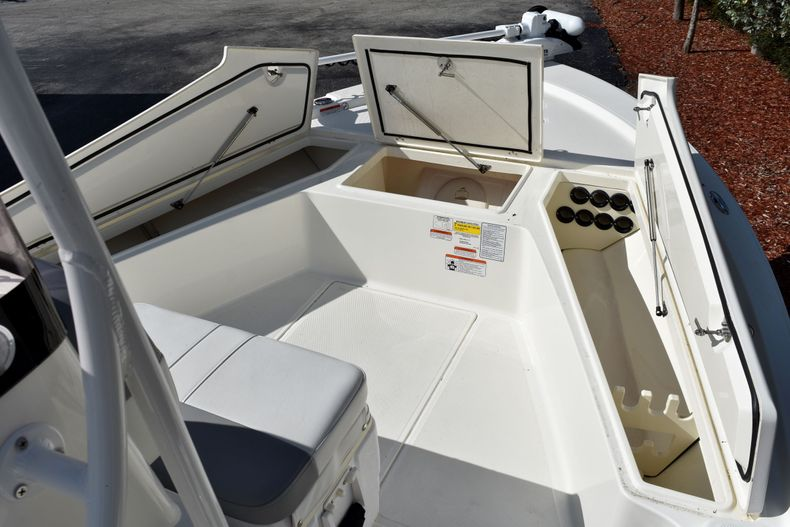 Thumbnail 15 for Used 2019 Mako 21 LTS boat for sale in Vero Beach, FL