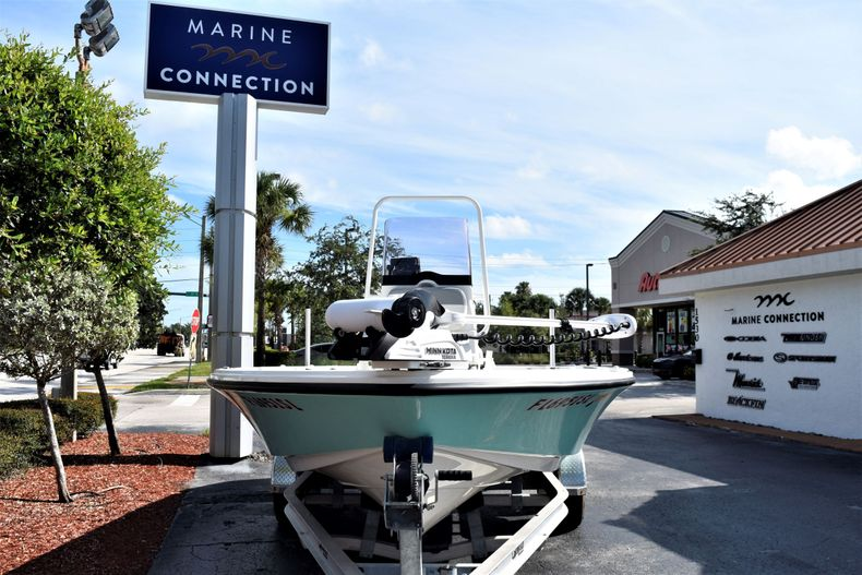 Thumbnail 2 for Used 2019 Mako 21 LTS boat for sale in Vero Beach, FL