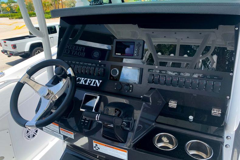 Thumbnail 4 for New 2020 Blackfin 272CC boat for sale in Stuart, FL