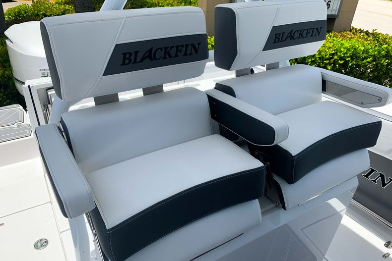 Thumbnail 6 for New 2020 Blackfin 272CC boat for sale in Stuart, FL