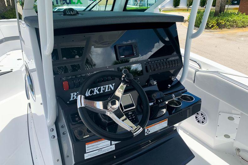 Thumbnail 5 for New 2020 Blackfin 272CC boat for sale in Stuart, FL