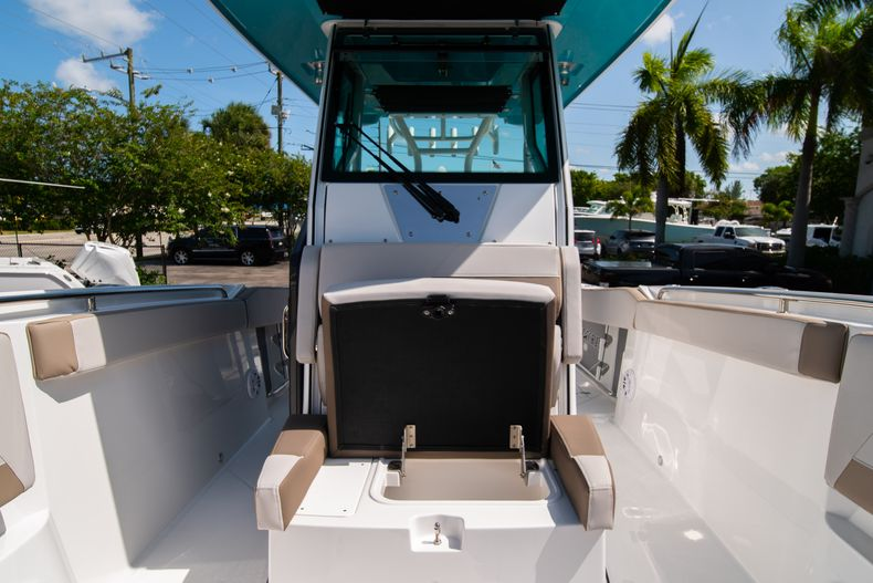 Thumbnail 49 for New 2020 Blackfin 272CC boat for sale in West Palm Beach, FL