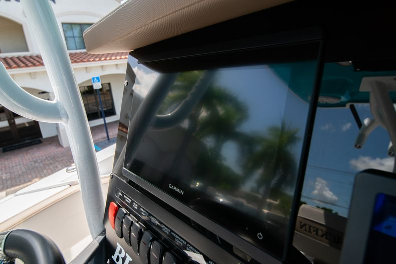 Thumbnail 30 for New 2020 Blackfin 272CC boat for sale in West Palm Beach, FL