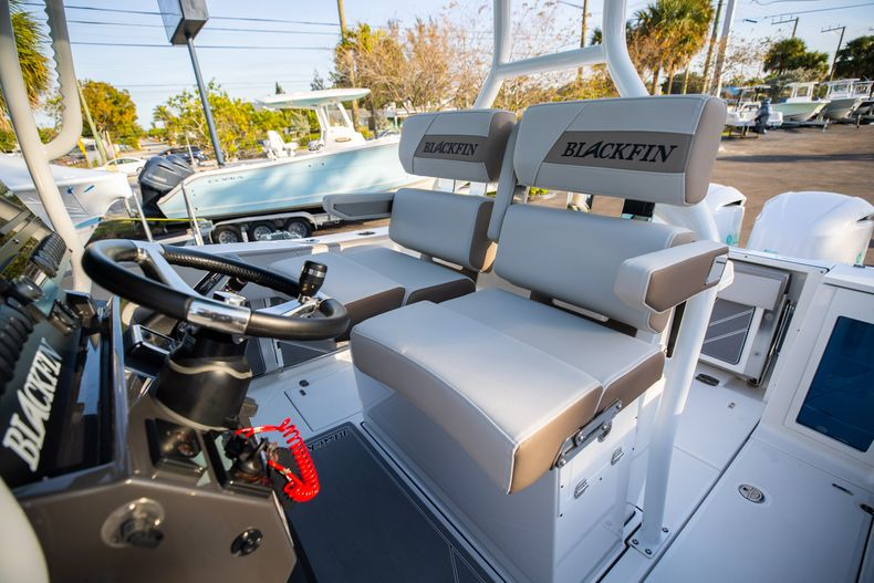 Thumbnail 37 for New 2020 Blackfin 272CC boat for sale in West Palm Beach, FL